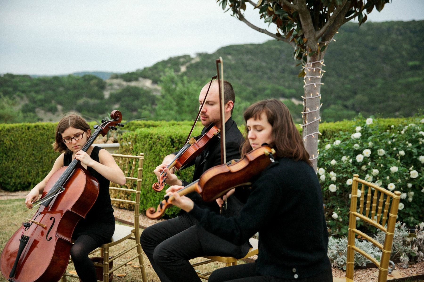 austin violinists playing at wedding ceremony